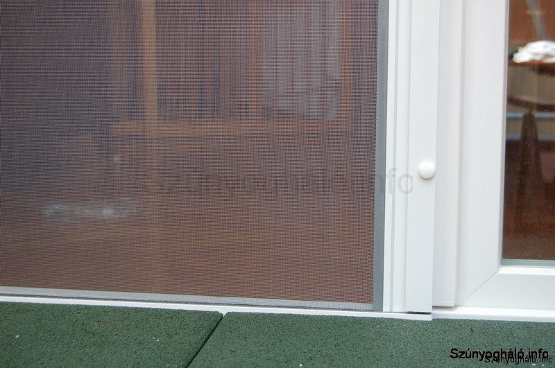 Rugós szúnyogháló ajtóra