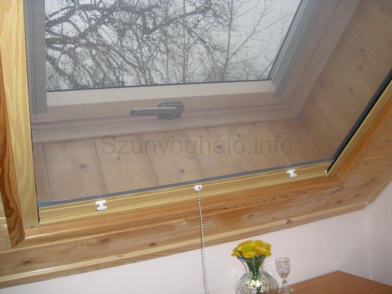 Szúnyogháló tetőtéri ablakra