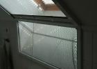 Tört síkú tetőtéri ablakra szúnyogháló
